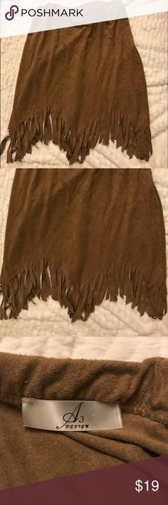 Brown Fringe Skirt Such a soft fringe skirt in great condition! Cut the size tag off but it's a size medium, although runs a bit on the smaller side. Skirts