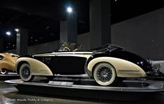 1953 Delahaye Type 178 - cars bikes and trains - dekoration Vintage Cars, Antique Cars, Vintage Auto, Convertible, Classy Cars, Truck Design, My Ride, Old Cars, Cars And Motorcycles