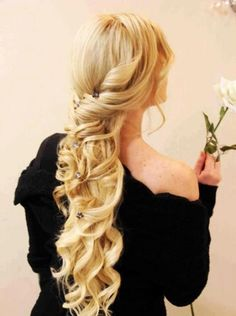 tutorial on how to curl your hair: http://www.youtube.com/watch?v=0dRYV_ULiyU=SP764EB8585FA0B236=5