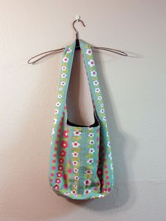 Lula Louise: Reversible Shoulder Bag Tutorial - This is the one I'm going to make with Linen.
