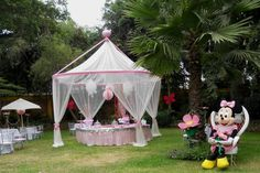 minnie mouse outdoor party | Share