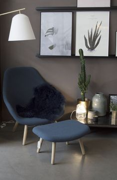 HAY About a lounge Introducing: our designer Sara from Hamburg. Styling of the About a Lounge Chair by Hay for Lys Vintage. Hotel Decor, Contract Furniture, Vintage Chairs, Chair And Ottoman, Creative Home, New Room, Furniture Decor, Decor Styles, Designer