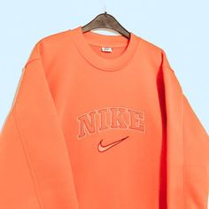 Nike Outfits, Teen Fashion Outfits, Retro Outfits, Vintage Outfits, Trendy Hoodies, Cute Sweatshirts, Cute Shirts, Cute Lazy Outfits, Trendy Outfits