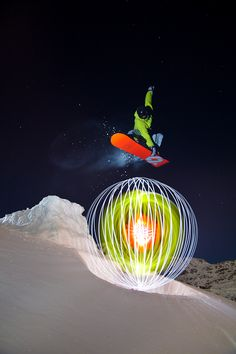 e5f0089e56 Great artistic action element to skilled light painting. - learn light  painting tricks www.