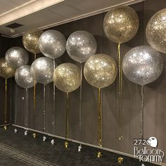 60 Ideas For Party Decorations Gold Glitter Balloons 60th Birthday Party, Birthday Party Decorations, Party Themes, Ideas Party, Birthday Backdrop, Glitter Party Decorations, Gold Party Decorations, Diy Party, Baby Shower Balloon Decorations