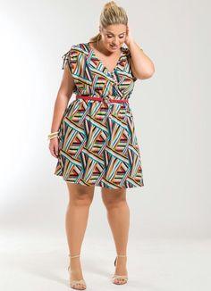 Vestido Decote V Listras Geométricas Plus Size - Posthaus