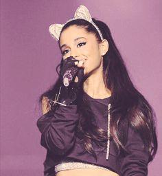 Ariana Grande live on Honeymoon Tour (2015)