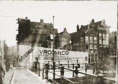 De bouwput na de sloop van het hoekpand Haarlemmerstraat/Korte Prinsengracht. De nieuwbouw is van Vroom & Co (nu V& D). november 1906