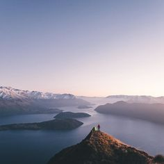 lebackpacker : As everyone is looking back at their highlights of 2015 I couldn't post anything else than a photo took in Wanaka New Zealand since I had the privilege to live there for 7 months. That is for sure the best place I've ever lived in and I'm honestly thinking of returning for my old days. My Kiwi friends are about to celebrate the new year in just a few minutes so I'd like to wish them all the best for 2016. Same for all of you guys from all over the world. May your life be full…