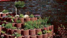 Svahové tvárnice: Poradíme vám, čím skrotiť výškové rozdiely v záhrade