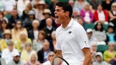 Coming back two sets down against David Goffin of Belgium, Milos Raonic won his fourth round match at Wimbledon 4-6,...