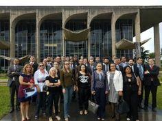 A União dos Policiais do Brasil, que representa 32 entidades da área de segurança pública do país, está preparando para amanhã uma mobilização nacional contra o texto da Proposta de Emenda à Constitui ...