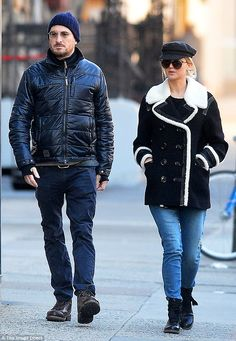 Jennifer Lawrence, 26, and 48-year-old Darren Aronofsky's relationship is gett...