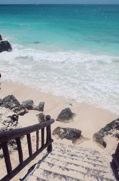 To the beach steps