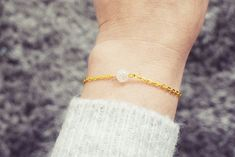 Gold Chain Bracelet | Clear Quartz Gemstone Bracelet | Single Bead Bracelet | Healing Crystal Bracelet Gemstone Bracelets, Handmade Bracelets, Clear Quartz, Gold Chains, Healing, Gemstones, Gift Ideas, Jewellery, Crystals