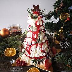 Aperitive rapide cu cascaval si mascarpone - Bucataresele Vesele Pavlova, Christmas Tree, Holiday Decor, Mascarpone, Teal Christmas Tree, Xmas Trees, Christmas Trees, Xmas Tree
