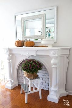 How to make a fall planter cover using a brown paper bag. Fall decorating has never been so easy. #Falldecor #Autumn #AutumnDecorating #Repurposebrownbags #Falldecoratingideas #Fallflowers #EasyDIYDecor Farmhouse Fireplace Mantels, Wood Mantels, Faux Fireplace, Mantles, Fireplaces, Home Decor Signs, Cheap Home Decor, Diy Home Decor, Autumn Decorating