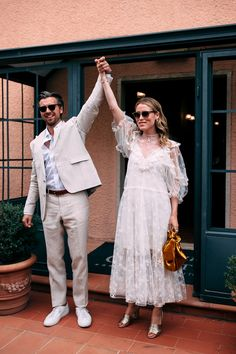 Norwegian Influencer Annabel Rosendahl Recreated a Slim Aarons Photo at Her Wedding in Tuscany is part of Wedding - At a dreamy olive farm in Southern Tuscany, the couple put together a wild weekend evoking rustic Italian style with a tropical overlay Slim Aarons, Couples Assortis, Muslim Couples, Boho Wedding Dress, Wedding Dresses, Boho Dress, Vogue Wedding, Courthouse Wedding, Bridesmaids