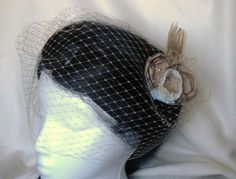 Champagne birdcage veil by niceclips on Etsy, $22.00