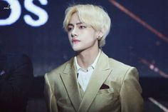 Foto Bts, Asia Artist Awards 2016, Army Love, King Of Hearts, Blackpink And Bts, Love And Respect, Beautiful Smile, Bts Pictures, Bts Taehyung