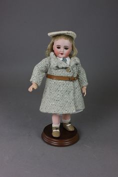 "10 5/8"" UNIS BLEUETTE #60 - by McMasters Harris Appletree Doll Auctions"