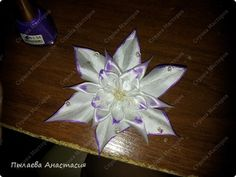 FLOWER TUTORIAL WITH TWO NEW PETALS Master class Tsumami Kanzashi: purplish-white tape.  Photo 1