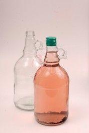 Sticla 1.5 litri Galone cu forma deosebita si eleganta este potrivita atat pentru alcool: tuica, vin sau alte bauturi spirtoase, pentru servirea bauturii la nunta sau la un eveniment special. Forma sticlei o face interesanta si eleganta.  #sticle #nunta #marturii