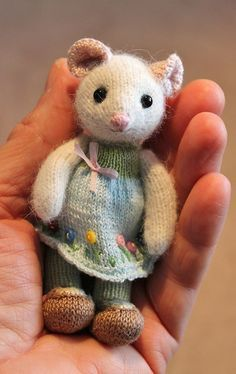 Soo cute! Knitted by Joanne Livingston Pattern from https://www.facebook.com/pages/Little-Cotton-Rabbits/103228596428028