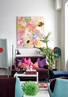 La deg inspirere av denne fargerike stuen, og fyll ditt eget hjem med farge.