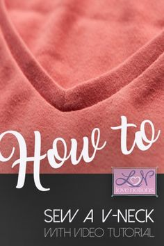 sewing techniques couture Use this video tutorial to make the perfect v-neck on your tops every time. Diy Sewing Projects, Sewing Projects For Beginners, Sewing Hacks, Sewing Tutorials, Sewing Crafts, Sewing Patterns, Sewing Tips, Sewing Ideas, Clothes Patterns