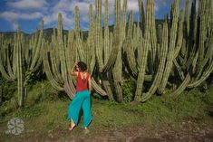 Eco conscious yoga clothes made in Mexico by Uranta Mindful Clothing. Upcycled fabrics made in small batches for the yogi in you. Comfortable, feminine and versatile. Check out out Meditate Pants