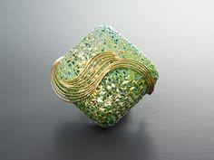Haruko Sugawara,  brooch, knit in silver and gold wire, enamel