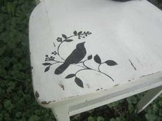 Knick of Time: Furniture Makeovers (porch furniture makeover) Furniture Fix, Refurbished Furniture, Upcycled Furniture, Furniture Projects, Furniture Makeover, Porch Furniture, Chair Makeover, Diy Projects, Painted Wooden Chairs