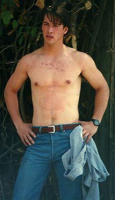 Keanu Reeves during filming of Point Break