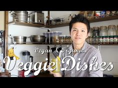 スーパーフード「ケール」「カカオニブ」のスムージーの作り方(Kale Smoothie) | VEGGIE DISHES by Peaceful...  野菜と果物を用意しておいて、ブレンダーで混ぜるだけなので朝忙しい人にもピッタリです。季節によって果物と野菜は旬のものを使うのが一番美味しいですね。   【材料 (1人分)】 -ケール 1本 -グレープフルーツ 半分 -バナナ 1本 -水 100g -カカオニブ 10g  【作り方】 《1》全ての材料をブレンダーでよく撹拌します。  【参考】 -ケールの販売『ヤーコンよしとも』 →http://e-yoshitomo.com