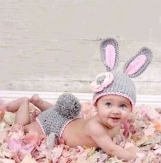 Easter Bunny Hat and Diaper Cover Set Crochet PDF Pattern, if only I had a baby to make this for! Crochet Bebe, Easter Crochet, Crochet Bunny, Crochet Baby Hats, Crochet Clothes, Knit Crochet, Crochet Outfits, Knitted Hat, Knit Beanie
