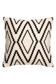 Cushion cover with a jacquard-weave front, solid colour cotton canvas back and concealed zip. Pooky Lighting, Throw Pillow Covers, Throw Pillows, H & M Home, Snug Room, Paper Lampshade, Leaf Wall Art, Perfect Pillow, Jacquard Weave