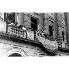 13/09/1936 LA BANDERA ESPAÑOLA EN EL PALACIO DE LA DIPUTACIÓN DE GUIPÚZCOA, TRAS LA ENTRADA DE LAS TROPAS NACIONALES EN SAN SEBASTIÁN.: Descarga y compra fotografías históricas en   abcfoto.abc.es