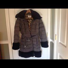Beautiful, warm and stylish winter coat (like new) Warm winter coat by Laundry Laundry by Shelli Segal Jackets & Coats Puffers