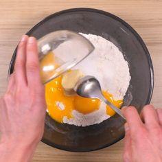 Gaufres faciles et légères : Recette de Gaufres faciles et légères - Marmiton Beignets, Biscotti, Gluten Free, Pudding, Eggs, Tasty, Breakfast, Kitchen, Food