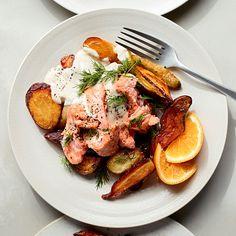 Maple-Dijon Salmon with Sweet Potatoes, Carrots & Dill #salmon #dinner #seafood