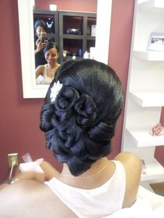 2015 Wedding Hairstyles for Black Women 18 Beautiful bridal hairstyles , updos, long hair, short hair, very cute and elegant wedding hairdos http://www.shorthaircutsforblackwomen.com/short-hairstyles-for-black-women/