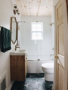 Mold In Bathroom, Tiny Bathrooms, Cheap Bathrooms, Upstairs Bathrooms, Downstairs Bathroom, Bathroom Renos, Bathroom Wall Decor, Bathroom Renovations, Amazing Bathrooms