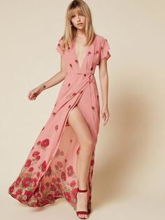 The Sandra Dress  https://www.thereformation.com/products/sandra-dress-vivien?utm_source=pinterest&utm_medium=organic&utm_campaign=PinterestOwnedPins