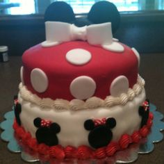 Cake for Macy's Minnie baby shower.