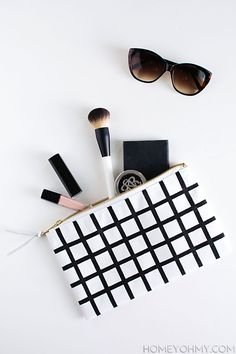 DIY Grid Pouch (via Bloglovin.com )