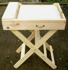 Construct a folding grooming table to more easily groom your rabbit or small dog! Cut a square of wood for the platform of the table, cut four pieces of wood trim for the sides of the table box and us Lionhead Rabbit, Angora Rabbit, Angora Bunny, Dog Grooming Tools, Cat Grooming, Grooming Salon, Show Rabbits, Dyi, Rabbit Breeds