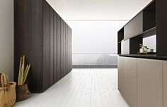 Zampieri - #Y kitchen in matt ecru lacquer and thermal vintage oak.