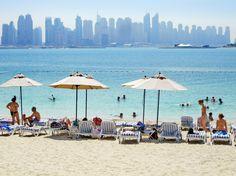Med store ambitioner, dristige ideer og en formue baseret på olieudvinding har Dubai på få år forvandlet sig fra et fattigt ørkenland til et af de mest spændende turistattraktioner i den arabiske verden. Læg dertil Dubais gode sandstrande og temperaturer, der kun sjældent når under 25 grader.   http://www.falklauritsen.dk/rejser/asien/forenede-arabiske-emirater/dubai