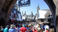 Plans and itineraries for battling busy days at the Magical World of Harry Potter, Universal Orlando theme parks